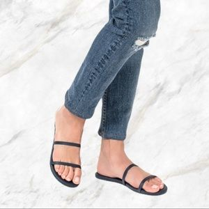 Tkees   The Gemma Sandals Charcoal Grey NWOT